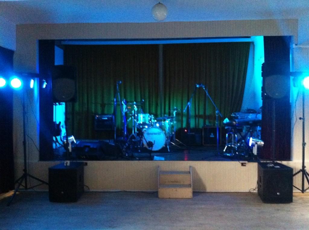 The Turnarounds Wedding Band Stage Setup